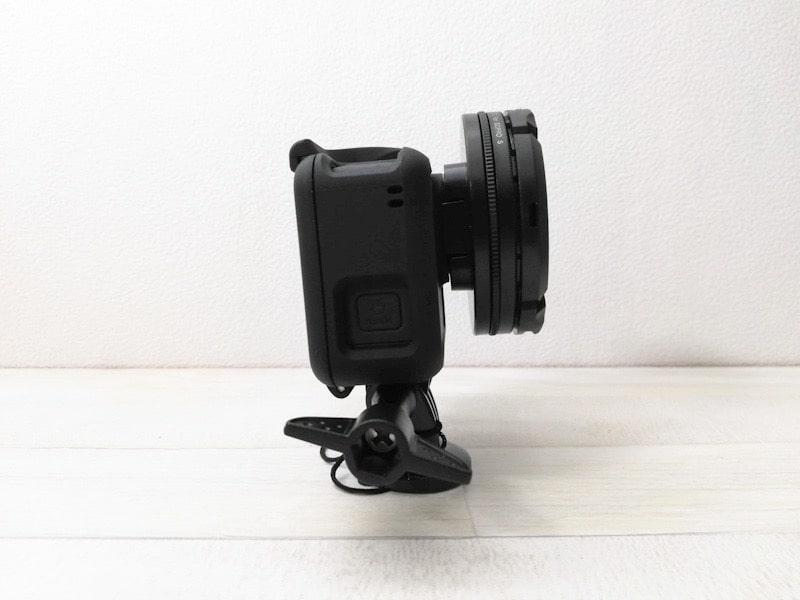 GoPro用Neewerのレンズキャップを装着