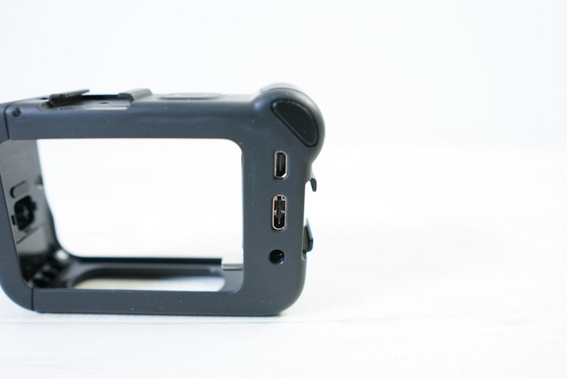 GoPro HERO8 Black対応メディアモジュラーの背面のポート類