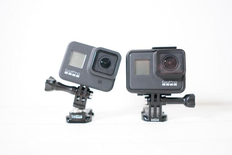 GoProを取り付けたスイベル式マウントバックルとアクセサリー付属バックル