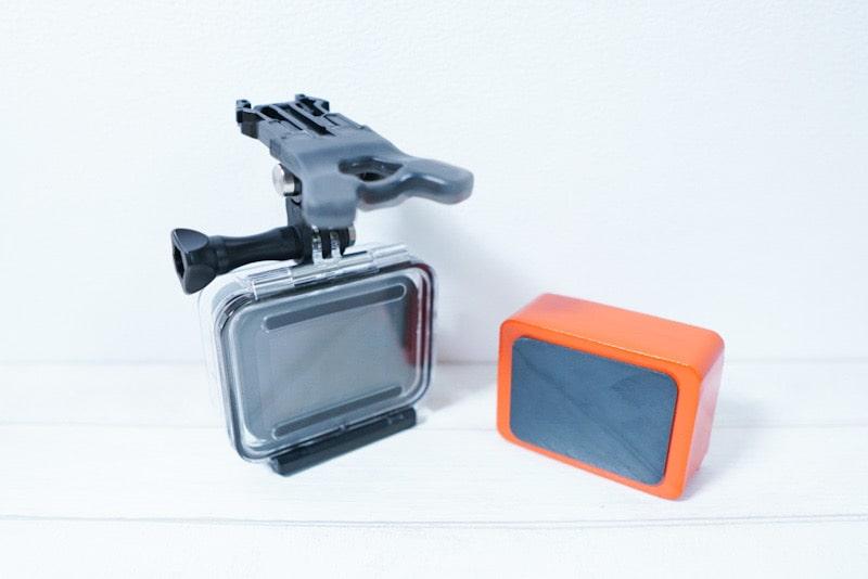 GoProとサードパーティー製ハウジングとフローティー